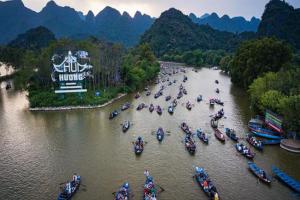 Hà Nội xem xét mở cửa trở lại chùa Hương và các di tích, cơ sở tôn giáo