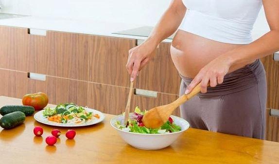Muốn sinh con thông minh, lanh lợi, da dẻ hồng hào, tranh thủ đầu đông mẹ bầu nên ăn nhiều 2 loại thực phẩm này