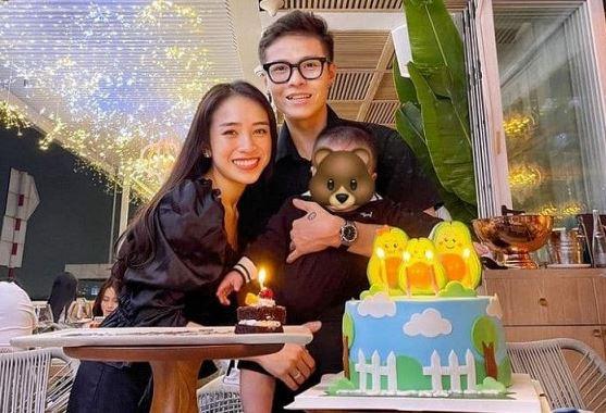 Con gái Minh Nhựa mừng sinh nhật chồng thiếu gia, quý tử lộ rõ vẻ ngoài bụ bẫm